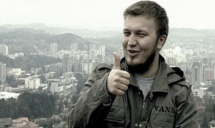 Nova pjesma Ede Maajke: Miriše fašizam u zraku