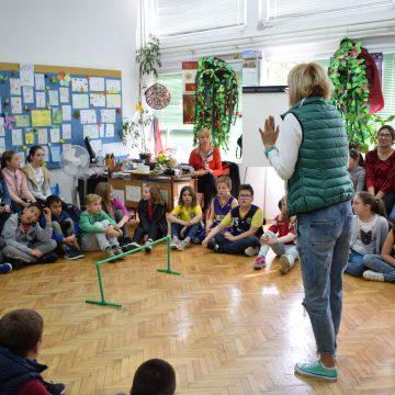 """Tri forum teatar predstave u Osnovnoj školi """"Milan Vuković"""""""